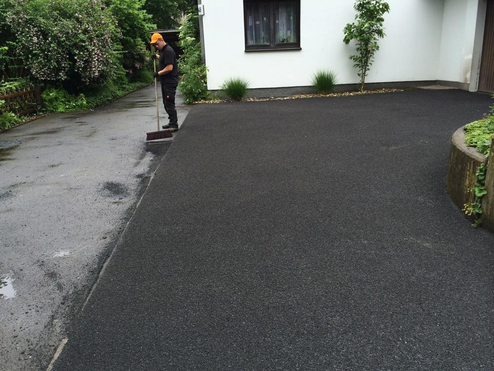 Garageneinfahrt asphalt  Asphalt Kleemann - Einfahrten und Hofflächen